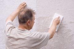 O homem faz a renovação Fotografia de Stock Royalty Free