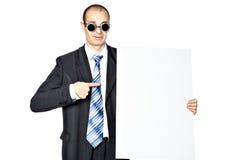 O homem guarda o cartaz. Imagens de Stock Royalty Free