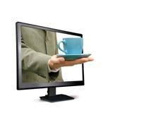 O homem guarda um copo do monitor Imagens de Stock Royalty Free
