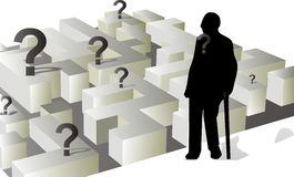 O homem idoso na frente do labirinto Imagens de Stock Royalty Free