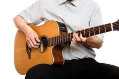 O homem joga a guitarra foto de stock royalty free