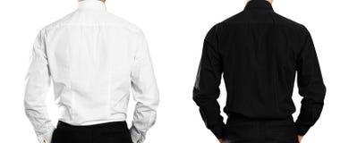 O homem na camisa branca e preta back Fim acima Isolado no fundo branco foto de stock royalty free