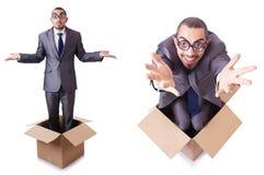 O homem no pensamento fora do conceito da caixa Fotografia de Stock