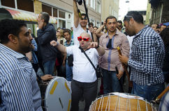 O homem novo de festival de mola A de Hidrellez está dançando Fotografia de Stock Royalty Free