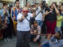 O homem novo de festival de mola A de Hidrellez está dançando Imagens de Stock