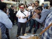 O homem novo de festival de mola A de Hidrellez está dançando Foto de Stock