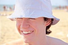 O homem novo de sorriso Imagens de Stock Royalty Free