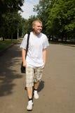 O homem novo em ao ar livre Imagens de Stock Royalty Free
