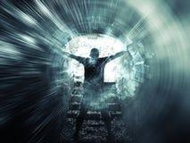 O homem novo está na obscuridade - túnel azul, colagem digital Imagens de Stock Royalty Free