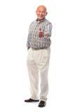 O homem sênior feliz mostra os polegares acima Imagens de Stock Royalty Free