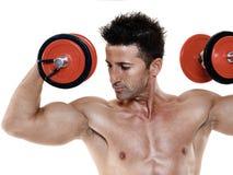 O homem torna mais pesados exercícios isolado Imagens de Stock