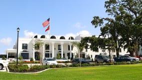 O hotel branco da casa, Gulfport, MS Imagens de Stock