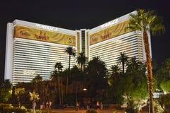 O hotel/casino da miragem na noite Imagens de Stock