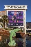 O hotel da miragem assina dentro Las Vegas, nanovolt o 10 de dezembro de 2013 Foto de Stock