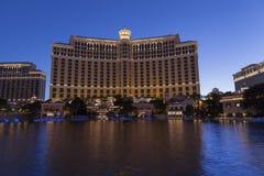 O hotel de Bellagio e o lago em Las Vegas, nanovolt o 20 de maio de 2013 Imagens de Stock Royalty Free