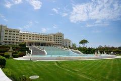 O hotel de luxo do palácio de Mardan é considerado o recurso luxuoso o mais caro de Europes fotografia de stock royalty free
