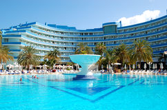 O hotel de luxo mediterrâneo do palácio Fotografia de Stock Royalty Free