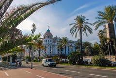O hotel de luxo Negresco em agradável em azuis celestes costeia, França Fotografia de Stock