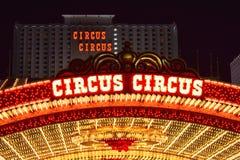 O hotel do circo do circo & o casino Las Vegas iluminaram fotografia de stock