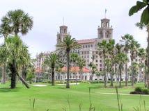 O hotel dos disjuntores e o recurso, Palm Beach, Florida imagem de stock royalty free