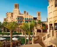O hotel e o distrito famosos do turista de Madinat Jumeirah Foto de Stock