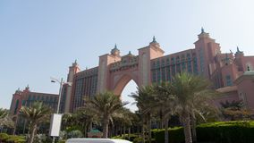 O hyperlapse solar de Jumeirah da palma filme