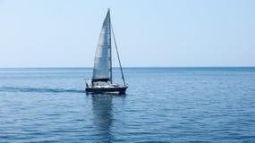 O iate no Mar Egeu fotografia de stock royalty free
