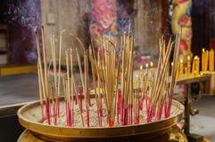 O incenso é iluminado fotografia de stock royalty free