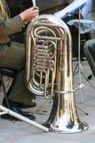 O instrumento da tuba da banda filarmônica imagens de stock