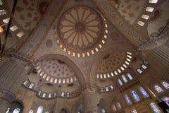 O interior azul da mesquita imagens de stock royalty free