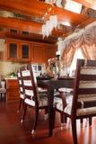 O interior caro luxuoso da sala de jantar Fotografia de Stock Royalty Free