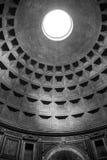 O interior da abóbada do panteão em Roma Imagem de Stock
