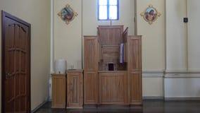 O interior da igreja de St Barbara vídeos de arquivo