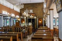 O interior da sinagoga Brahat ha-levana em Bene Beraque israel imagens de stock royalty free