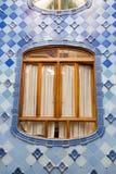"""O interior de Batllo da casa da casa de Antonio Gaudi detalha viúva do †""""no espaço interno do nível secundário Foto de Stock Royalty Free"""
