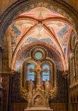 O interior de Matthias Church é uma igreja católica romana situada em Budapest Foto de Stock Royalty Free