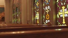O interior de uma igreja ortodoxa grega filme