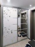 O interior do corredor do minimalismo, 3d rende Imagens de Stock Royalty Free