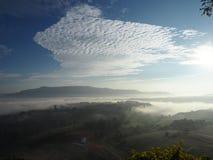 O inverno deixa o sol da névoa Imagem de Stock