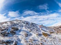O inverno impressionante caminha acima Sron um Chlachain, acima de Killin, Scotlan imagens de stock