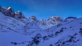 O inverno repica nas montanhas, Tatras alto, Eslováquia Foto de Stock Royalty Free