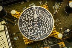 O Iota é uma maneira moderna de troca e desta moeda cripto fotografia de stock