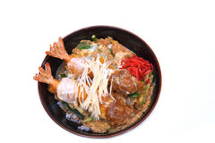 O japonês de Ebi Katsudon fritou a bacia de arroz do camarão isolada em w Imagens de Stock Royalty Free
