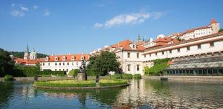 O jardim de Wallenstein em Praga imagens de stock