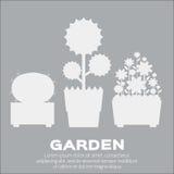 O jardim mostra em silhueta elementos Fotografia de Stock Royalty Free