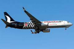 O jato de TC-JGF Anadolu, Boeing 737-800 nomeou BESIKTAS Imagens de Stock Royalty Free