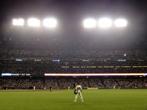 O jogador de campo adequado Carlos Beltran de Giants está no waiti da parte exterior do campo Imagens de Stock Royalty Free