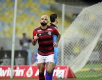 O jogador de futebol Gabriel Gabigol comemora fotografia de stock