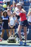 O jogador de tênis profissional Johanna Konta de Grâ Bretanha comemora a vitória após seu terceiro fósforo do US Open 2015 do cír Fotografia de Stock Royalty Free