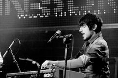 O jogador de teclado da faixa livre da queda (faixa) executa no som de Heineken primavera Imagens de Stock